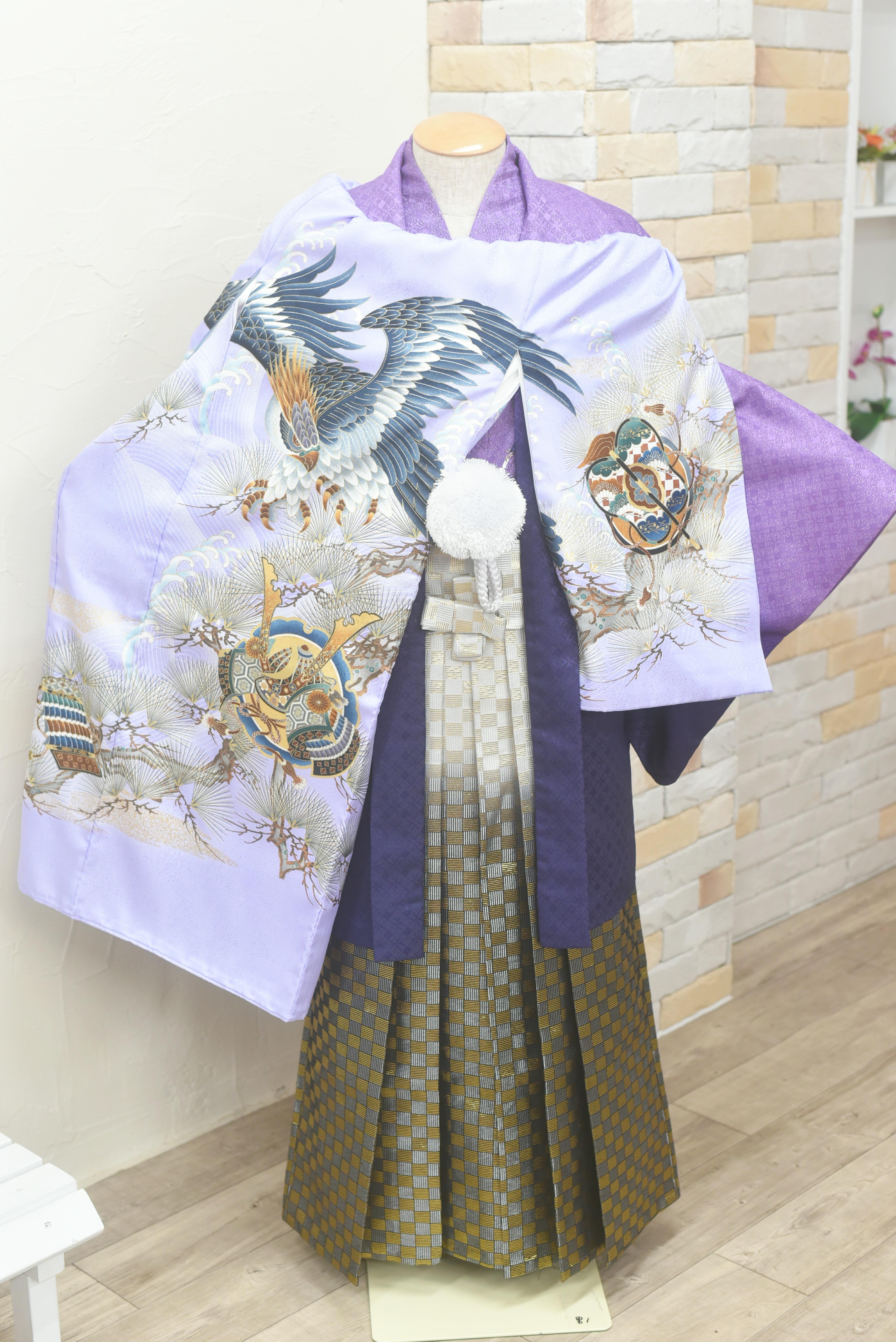お宮参り父子着物コーデ。紫の紋付袴と初着