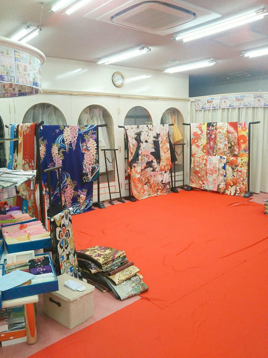 愛知県半田市カネマタ衣裳店店内二階の様子