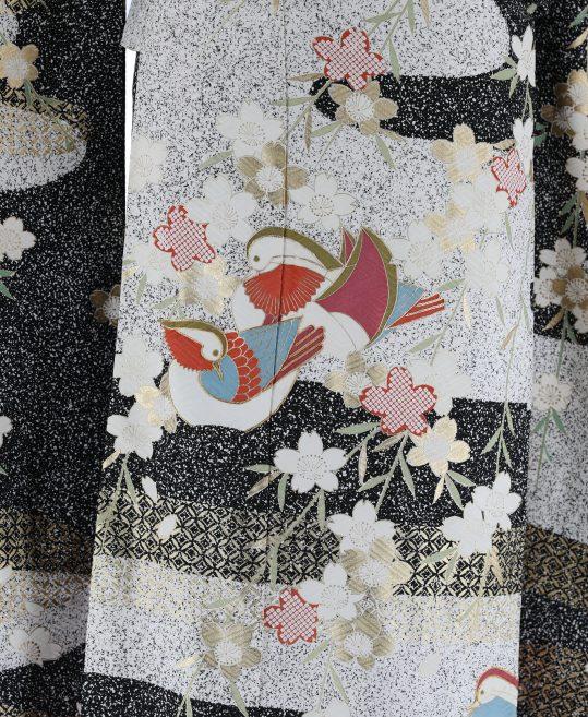 参列振袖[レトロ古典]白黒のロウ叩き地にオシドリと桜[身長157cmまで]No.353