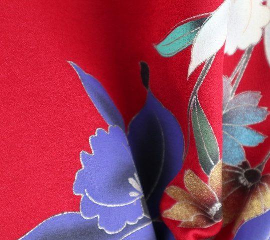 成人式振袖[レトロ][個性的]深紅にバラと百合に蝶[身長159cmまで]No.438