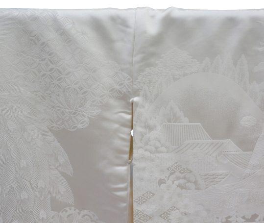 結婚式の白無垢・花嫁用着物 自然風景に孔雀 [王道古典] No.316