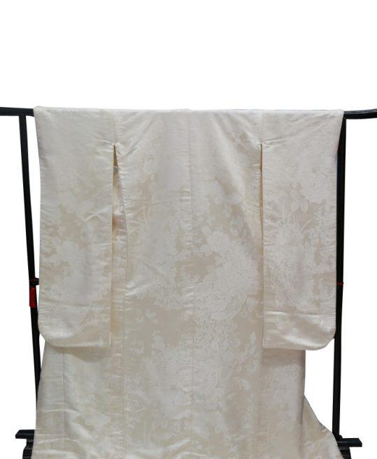 結婚式の白無垢・花嫁用着物|蝶とバラに花々 [かわいい] No.317